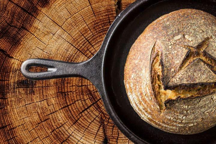 Lodge Combo beaking Bread
