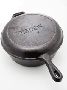 Full Review: Lodge 3 Quart Cast Iron Combo Cooker 1