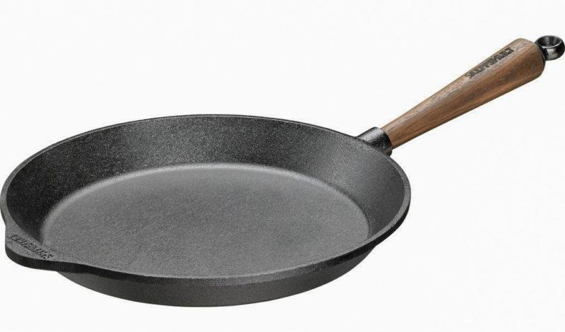 Skeppshult Traditional Walnut Handle Fry Pan